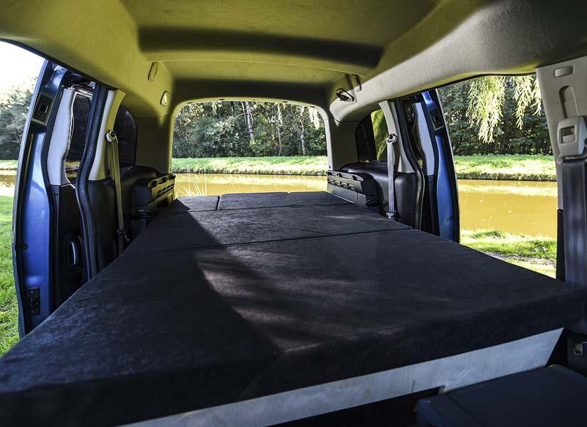 Configuring the Simple camper van conversion module in sleeping mode.